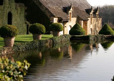Miroir et communs Jardins d'Eyrignac. Image by Eric Sander
