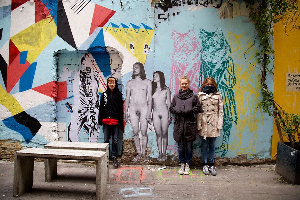 naked-wall-art